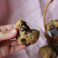 Healthy Peanut-Butter Chocolate Chip Cookies (Gluten Free, Vegan)